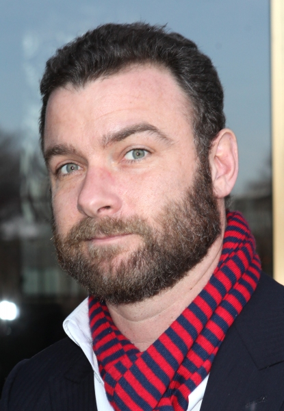 Liev Schreiber at Photo Coverage Exclusive: At the Stage Door of the 35th Kennedy Center Honors