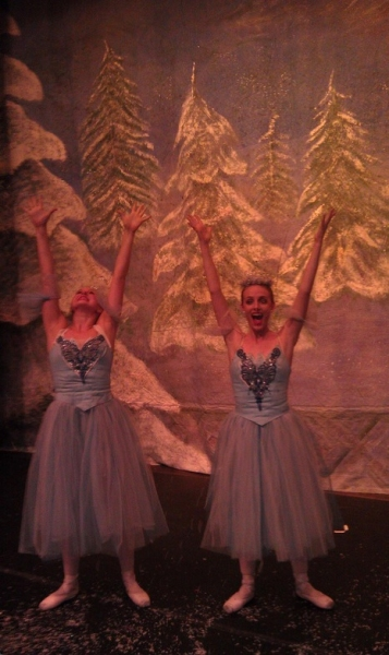 Photo Flash: Saturday Intermission Pics, Dec 8, Part 2 - SCANDALOUS Says Farewell, EVITA's Secret Santa, Elves on Shelves, and More!