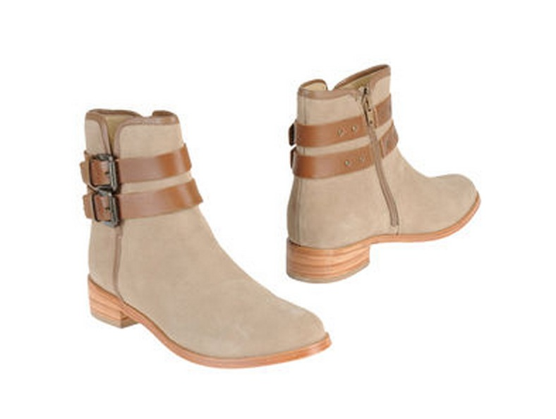 Daily Deal 12/10/12: Yoox Shoes