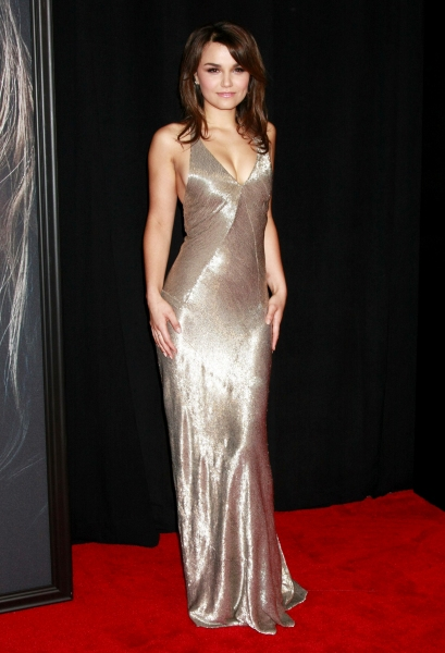 Samantha Barks at On the Red Carpet at the LES MIS NYC Premiere- Anne Hathaway, Hugh Jackman & More!