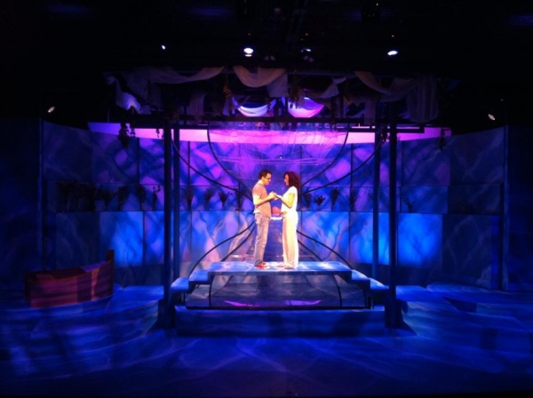 BWW Reviews: Love Unwinds in THE LAST FIVE YEARS at Actors' Playhouse
