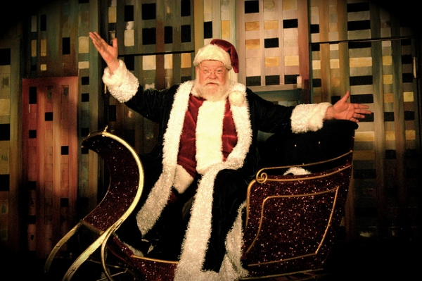 BWW Reviews: Arvada Center Makes Family Christmas Magic with MIRACLE ON 34TH STREET-THE MUSICAL