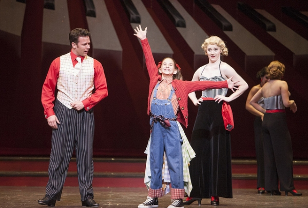BWW Reviews: The Denver Center Theatre Company Presents Holiday Delight with WHITE CHRISTMAS