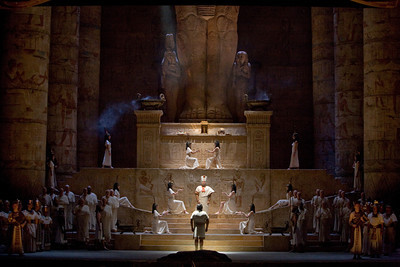 BWW Reviews: AIDA, the Larger-Than-Life Verdi Opera, Comes to the Met for Another Season