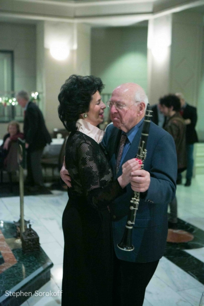 Photo Coverage: Jamie deRoy & Residents Perform at Alwyn Court