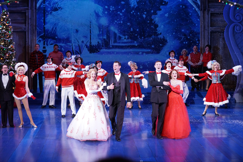 BWW Reviews: WHITE CHRISTMAS at Zach Theatre Glistens with Holiday Charm