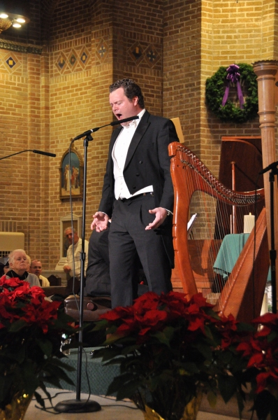 Photo Coverage: Tenor Karl Scully Performs in Bay Shore, NY