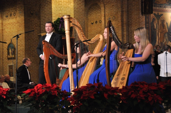 Karl Scully and The Harps of Tara-Alice Smyth, Deirdre Ryan and Aimee Brehmer Photo