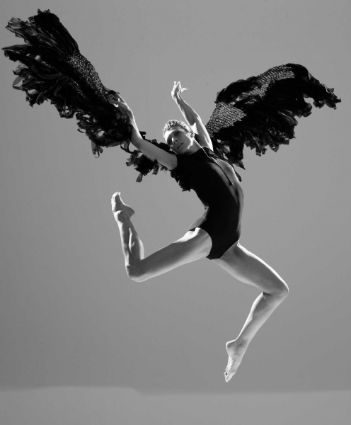 Photo Flash: First Look at NOW IS ALL THERE IS: BODIES IN MOTION - Dancers of the Royal Ballet