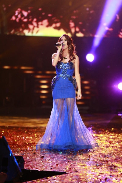 Photo Flash: Cassadee Pope Wins NBC's THE VOICE!