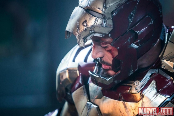 Photo Flash: New Still of Robert Downey Jr. in IRON MAN 3