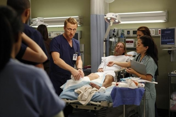 Photo Flash: GREY'S ANATOMY's 'Things We Said Today' Episode, Airs 1/10