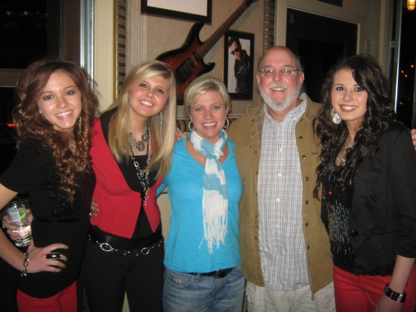 Photo Flash: Hard Rock Cafe Nashville Welcomes Jetset Getset and Other Rising Artists!