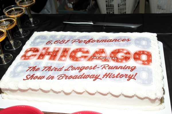 Photo Coverage: CHICAGO Becomes 3rd Longest-Running Broadway Show!