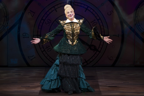 Photo Coverage: New WICKED Cast At Media Night Curtain Call!