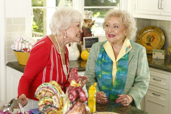 Ann Benson, Betty White at First Look - Kim Kardashian & More Guest Star on BETTY WHITE'S OFF THEIR ROCKERS