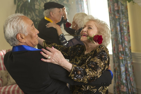 Photo Flash: First Look - Kim Kardashian & More Guest Star on BETTY WHITE'S OFF THEIR ROCKERS