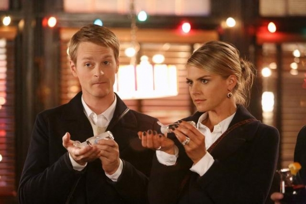 Photo Flash: HAPPY ENDINGS' Winter Return, Premieres 1/6