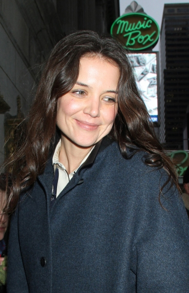 Photo Flash: DEAD ACCOUNTS' Star Katie Holmes Returns From Christmas Break