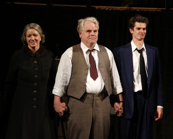 Linda Emond, Phillip Seymour Hoffman & Andrew Garfield during the Opening Night Perfo Photo