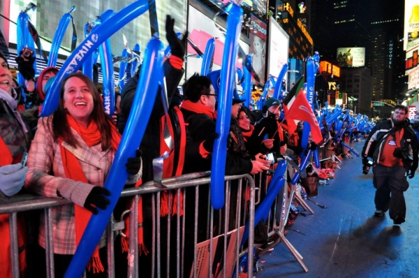 Photo Coverage: MDQ, Psy, Jepsen at 2013 New Year's Eve in Times Square