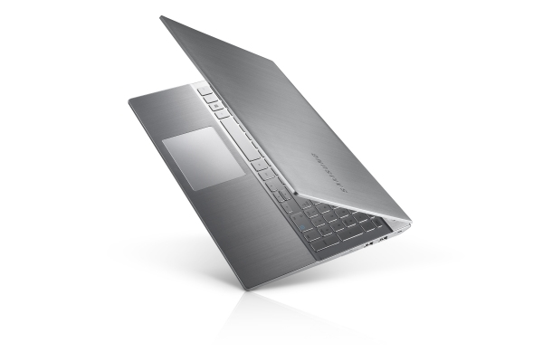 Photo Flash: Check Out Samsung's Hot New Series 7 Chronos & Ultrabooks!