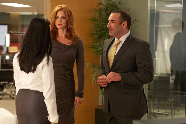 Aarti Mann, Sarah Rafferty, Rick Hoffman Photo
