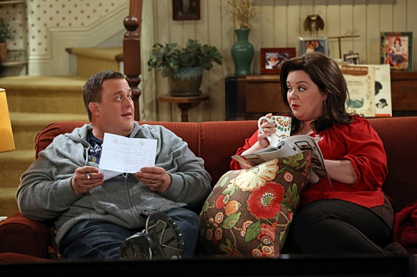 Billy Gardell, Melissa McCarthy at First Look at 'Molly's Birthday' on MIKE & MOLLY
