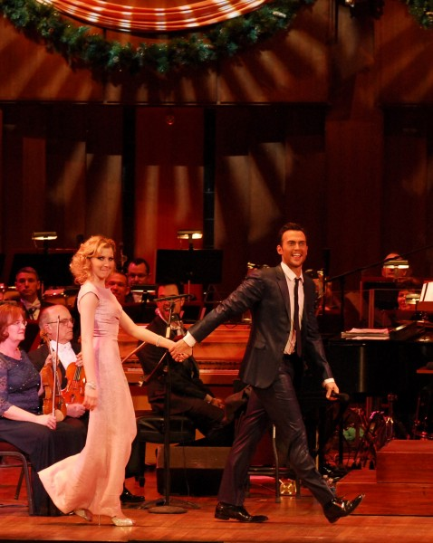 Photo Flash: Cheyenne Jackson Performs MUSIC OF THE MAD MEN ERA With Nina Arianda!