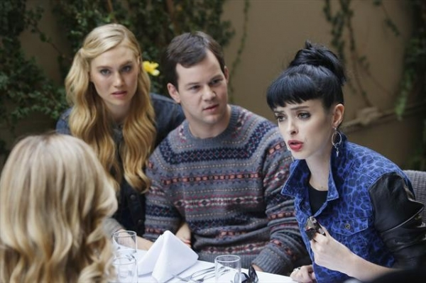 Photo Flash: DON'T TRUST THE B---- IN APARTMENT 23's 'Monday June...' Episode, Airs 1/13