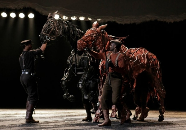 BWW Flashback: Tony Award-Winning WAR HORSE Concludes Broadway Run Today