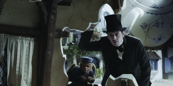 James Franco at Seven New Images from OZ: THE GREAT AND POWERFUL