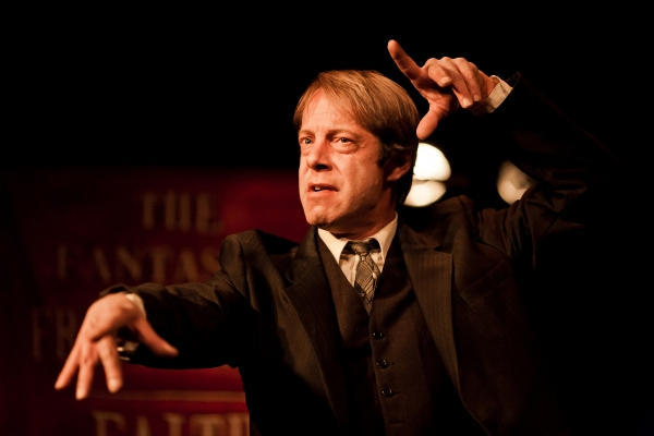 Photo Flash: New Shots From Den Theatre's FAITH HEALER
