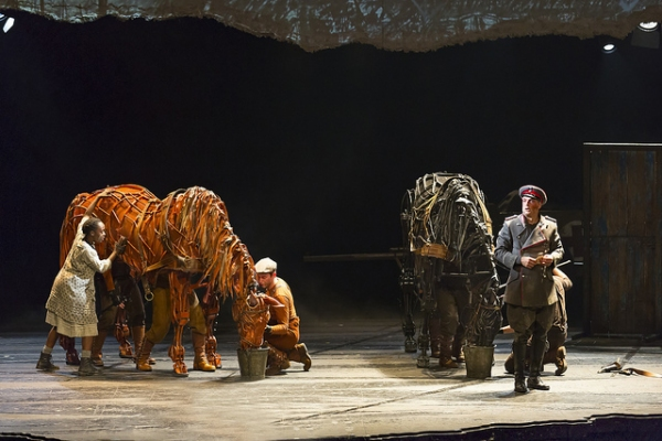Photo Flash: First Look at Andrew Veenstra, Angela Reed and More in US National Tour of WAR HORSE
