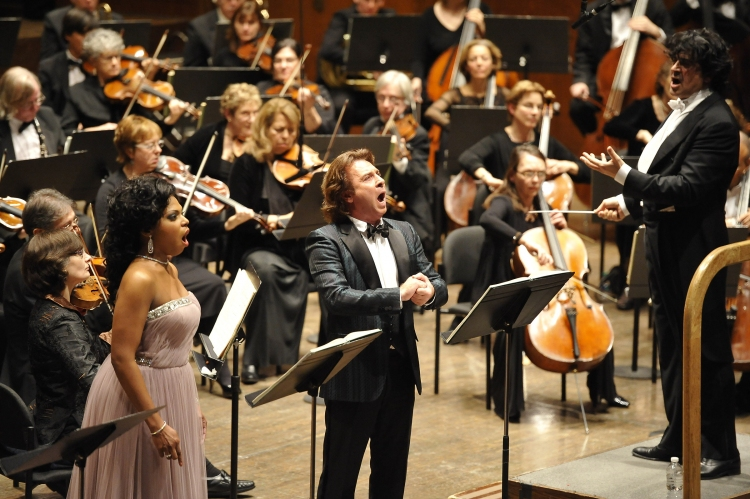 High Res Kristin Lewis, Roberto Alagna, Alberto Veronesi and the Opera Orchestra of New York