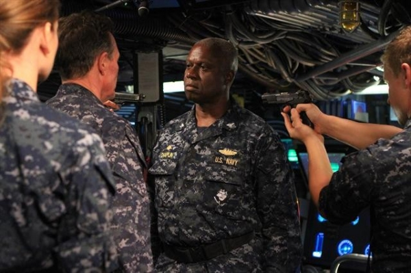 DAISY BETTS, ROBERT PATRICK, ANDRE BRAUGHER, JESSE LUKEN at First Look at LAST RESORT Series Finale; Airs 1/17