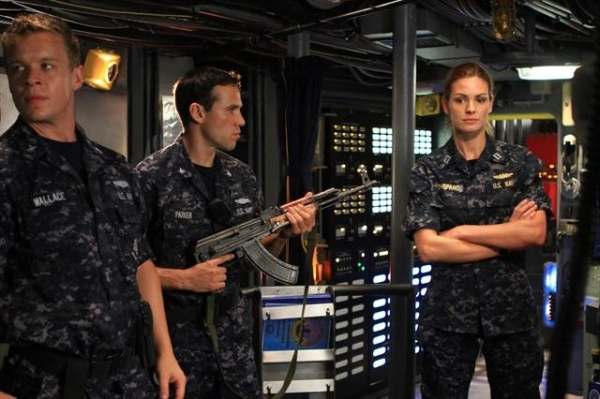 Photo Flash: First Look at LAST RESORT Series Finale; Airs 1/17