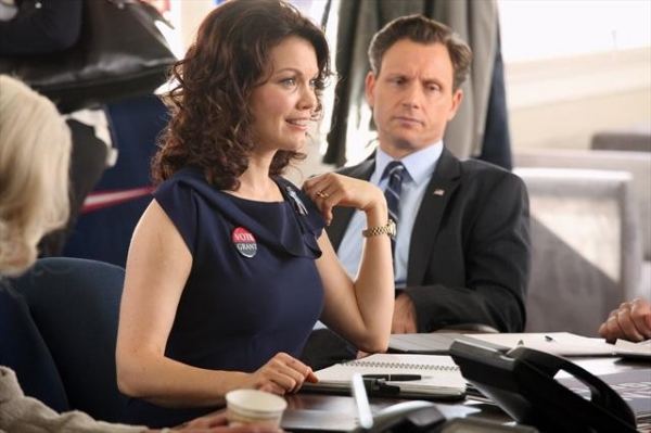 Photo Flash: Scandal's 'A Criminal, a Whore, an Idiot and a Liar,' Airs 1/17