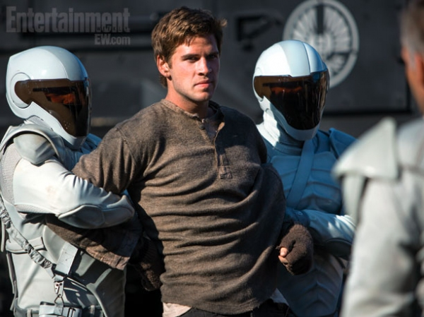Photo Flash: Two New Images from CATCHING FIRE Released!