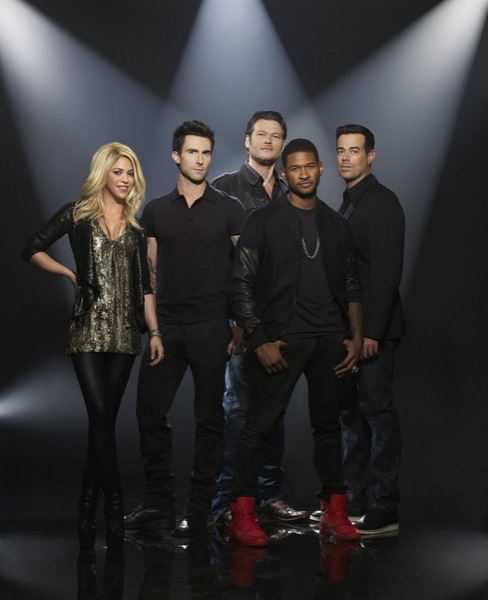 Shakira, Adam Levine, Blake Shelton, Usher, Carson Daly  Photo