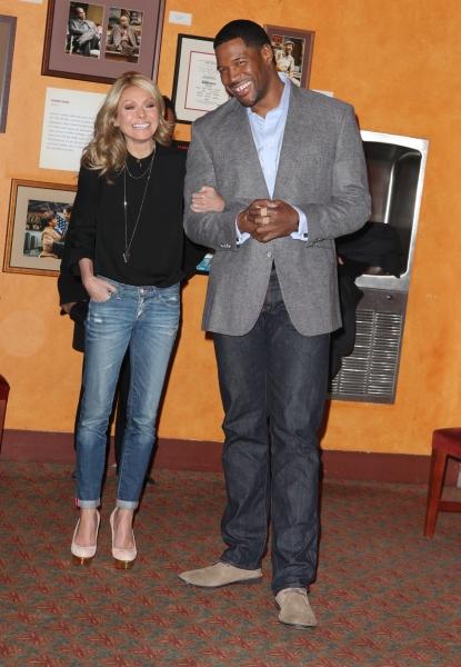 Kelly Ripa & Michael Strahan  Photo