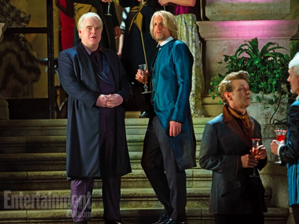 Philip Seymour Hoffman, Woody Harrelson at Four New HUNGER GAMES: CATCHING FIRE Stills!