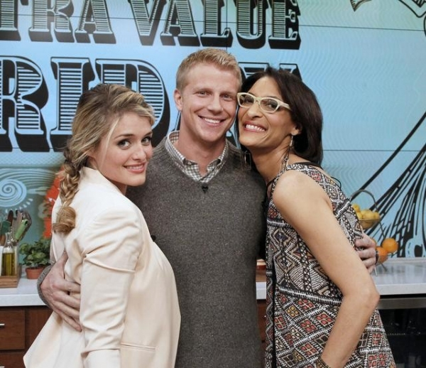 DAPHNE OZ, CARLA HALL, SEAN LOWE