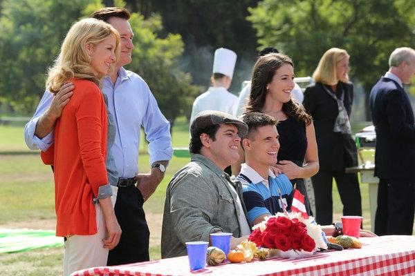 Jenna Elfman, Bill Pullman, Josh Gad, Robbie Amell, Martha MacIsaac Photo