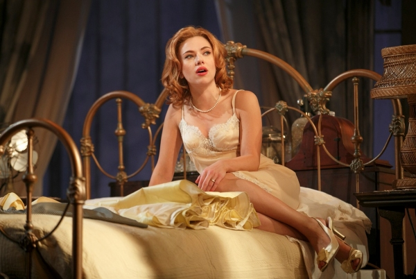 Photo Flash: First Look at Benjamin Walker, Scarlett Johansson & More in CAT ON A HOT TIN ROOF