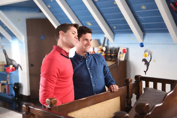 High Res Andrew Rannells, Justin Bartha