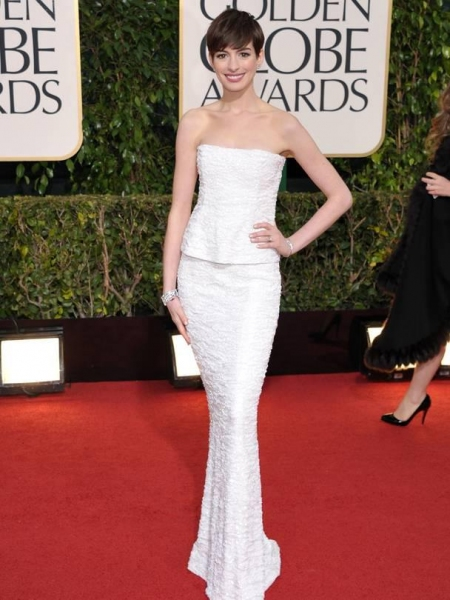 Anne Hathaway at More Stars at the Golden Globe Red Carpet