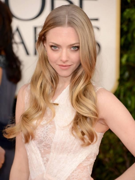 Amanda Seyfried at More Stars at the Golden Globe Red Carpet