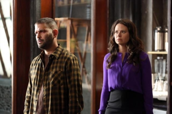 GUILLERMO DIAZ, KATIE LOWES at SCANDAL's 'Truth or Consequences,' Airing 1/31