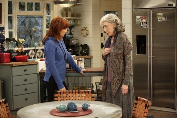 REBA, LILY TOMLIN at MALIBU COUNTRY's 'Based on a True Story,' Airing 2/1